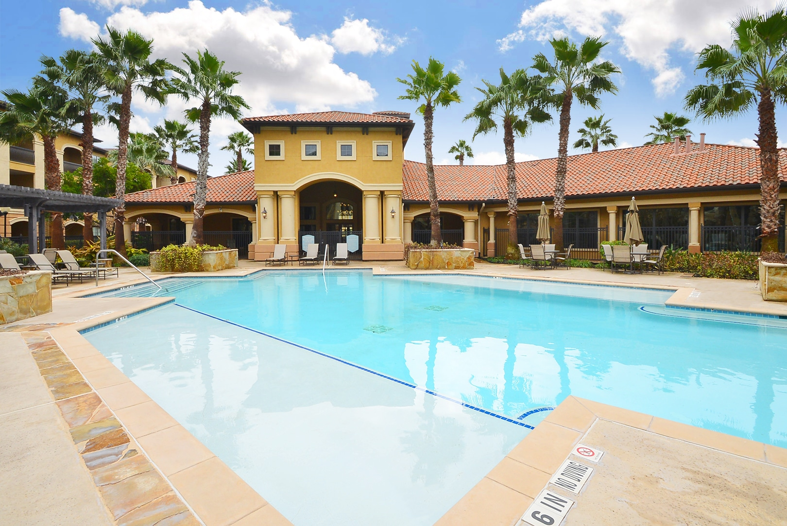 Estancia San Miguel Apartments for Rent TX