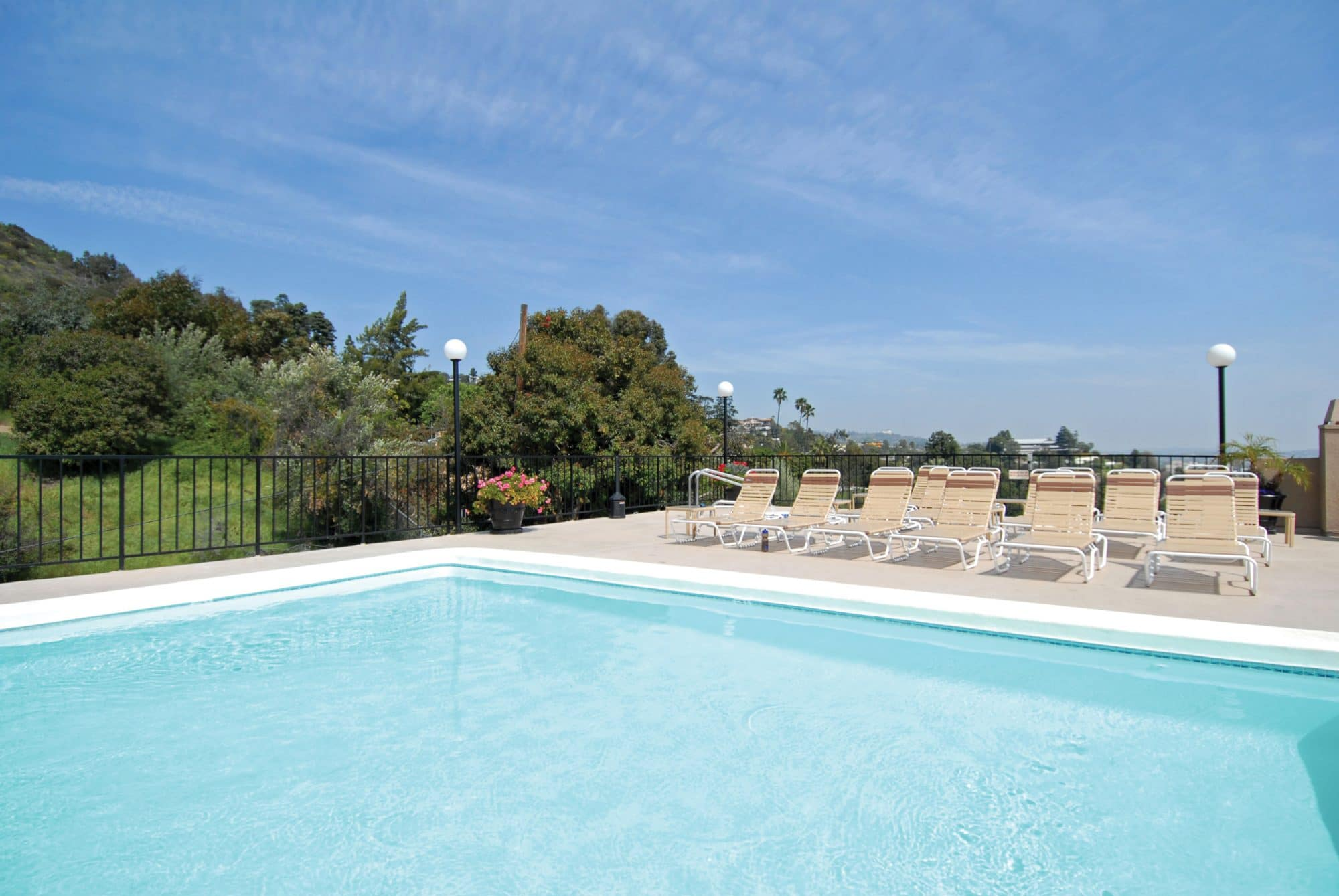 Pinnacle Apartments Hollywood California pool