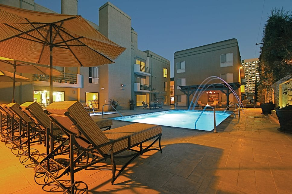 Toluca Terrace Aoartments for Rent in CA