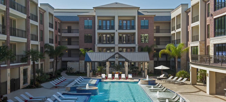 s_exterior_telfairlofts_apartments_pool